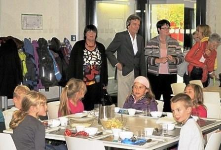 SPD-Gemeinderatsfraktion bei ihrem Besuch in der Fritz-Boehle-Schule. Foto: K. Fehrenbach